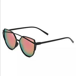 Accessories - Mirror sunglasses